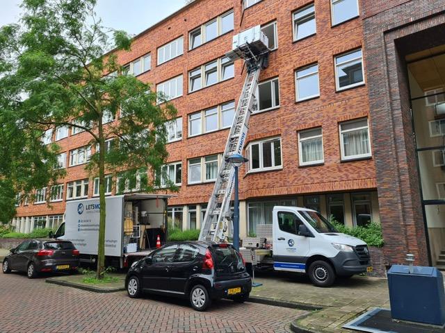 Verhuislift in Amsterdam tijdens een verhuizing
